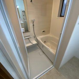 充実設備の快適バスルームへ。